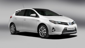 http://www.lavoiturehybride.com/wp-content/uploads/2010/09/Toyota-Auris-Hybride-wpcf_299x170.jpg
