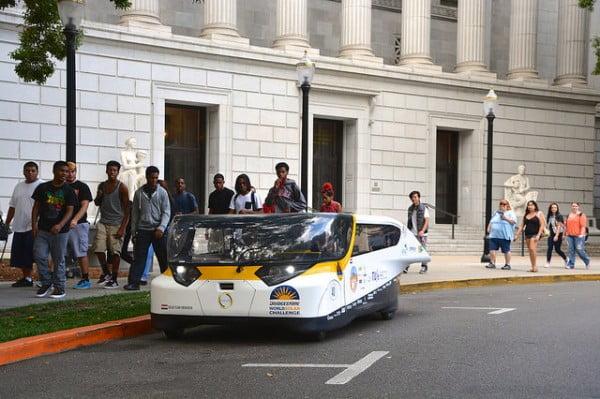 stella la voiture solaire familiale capable de parcourir 800km. Black Bedroom Furniture Sets. Home Design Ideas
