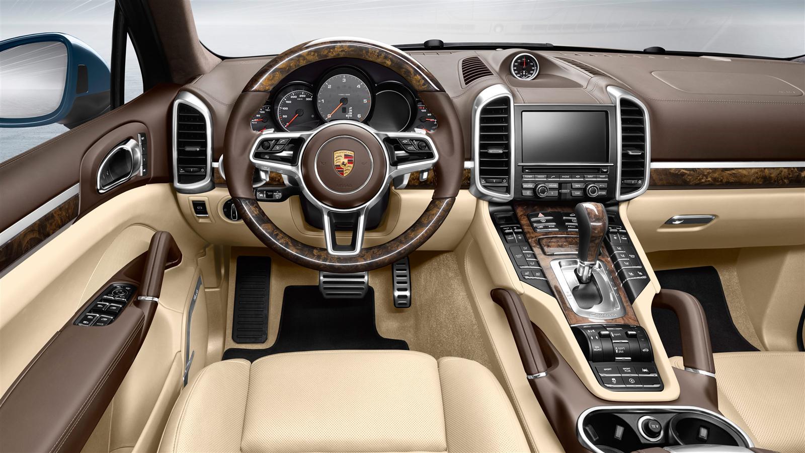 Porsche cayenne s e hybrid interieur voiture hybride et for Interieur porsche cayenne